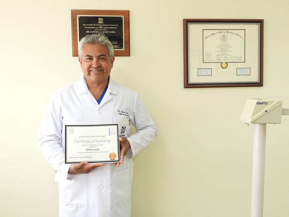 Reconocimiento al Dr. Samuel Allen por parte de El Journal de Cirugía Oral y Maxilofacial